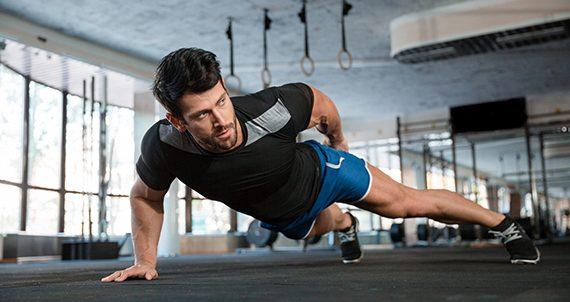 Hombre haciendo ejercicio.